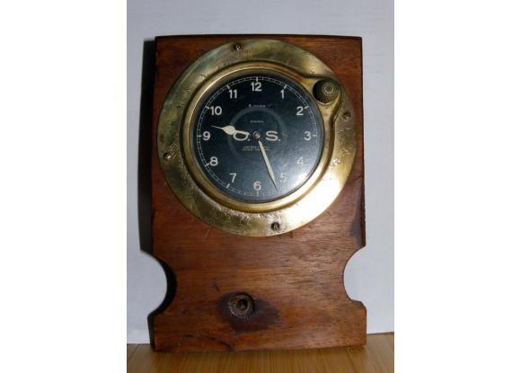 montre horloge de voiture ancienne pi ces d tach es pays de la loire. Black Bedroom Furniture Sets. Home Design Ideas